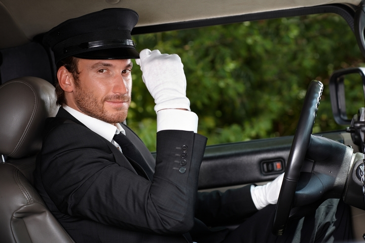 4 Reasons to use a limo service